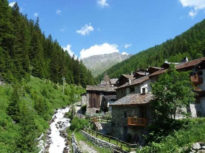 aoste, italie, via francigena, alpes, randonnée