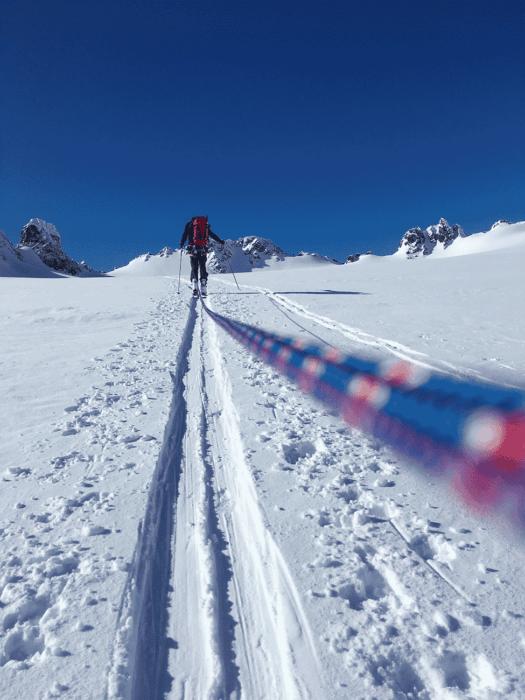 ski de randonnée avec passage encordé sur glacier en norvége