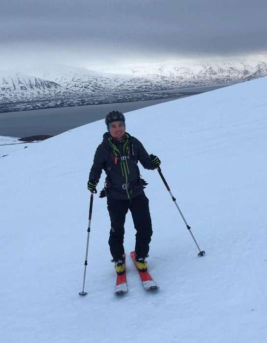 ski de randonnée en islande avec la veste bormio