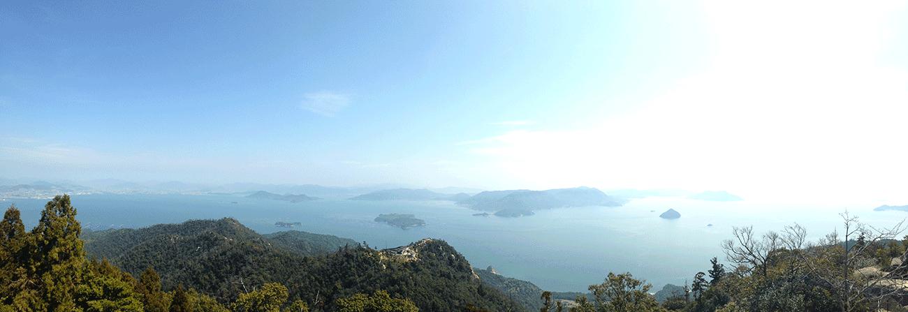 vue panoramique sur la mer de sets et baie hiroshima depuis le mont misen