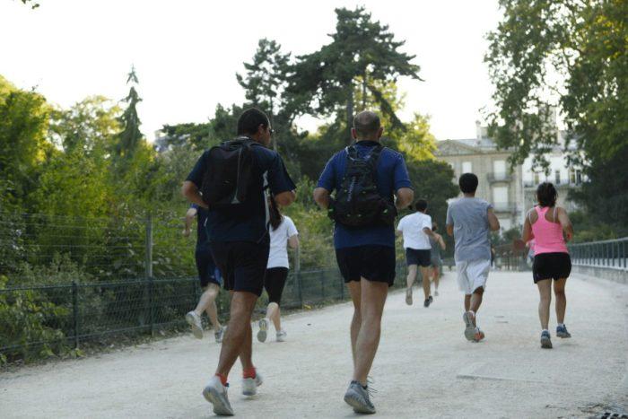 running au parc monceau vue arrière