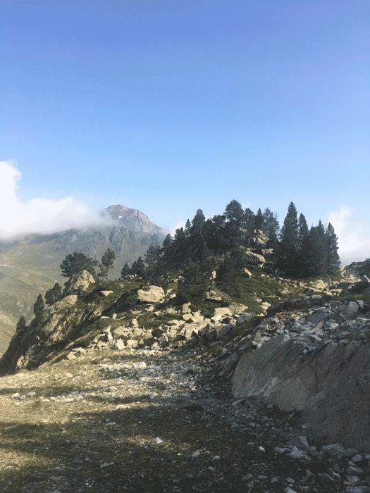 pic du midi au loin pyrénées tour trail