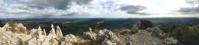 vue superbe depuis le Pic Saint-Loup par la crête