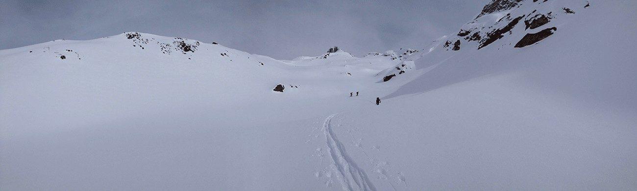débuter le ski de randonnée en montagne