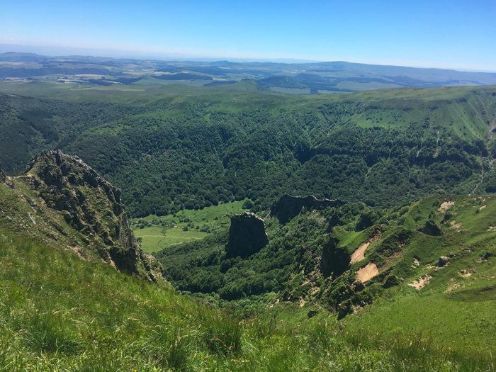 vue sur la vallée de chaudefour depuis les crêtes du sancy