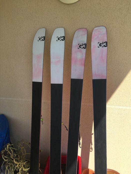 skis G3 sur le mur avant fartage