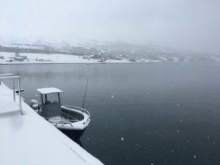 bateau sur Uløya pêche