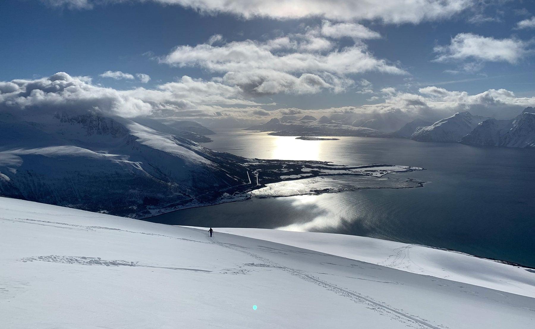 skieur de randonnée à Uløya