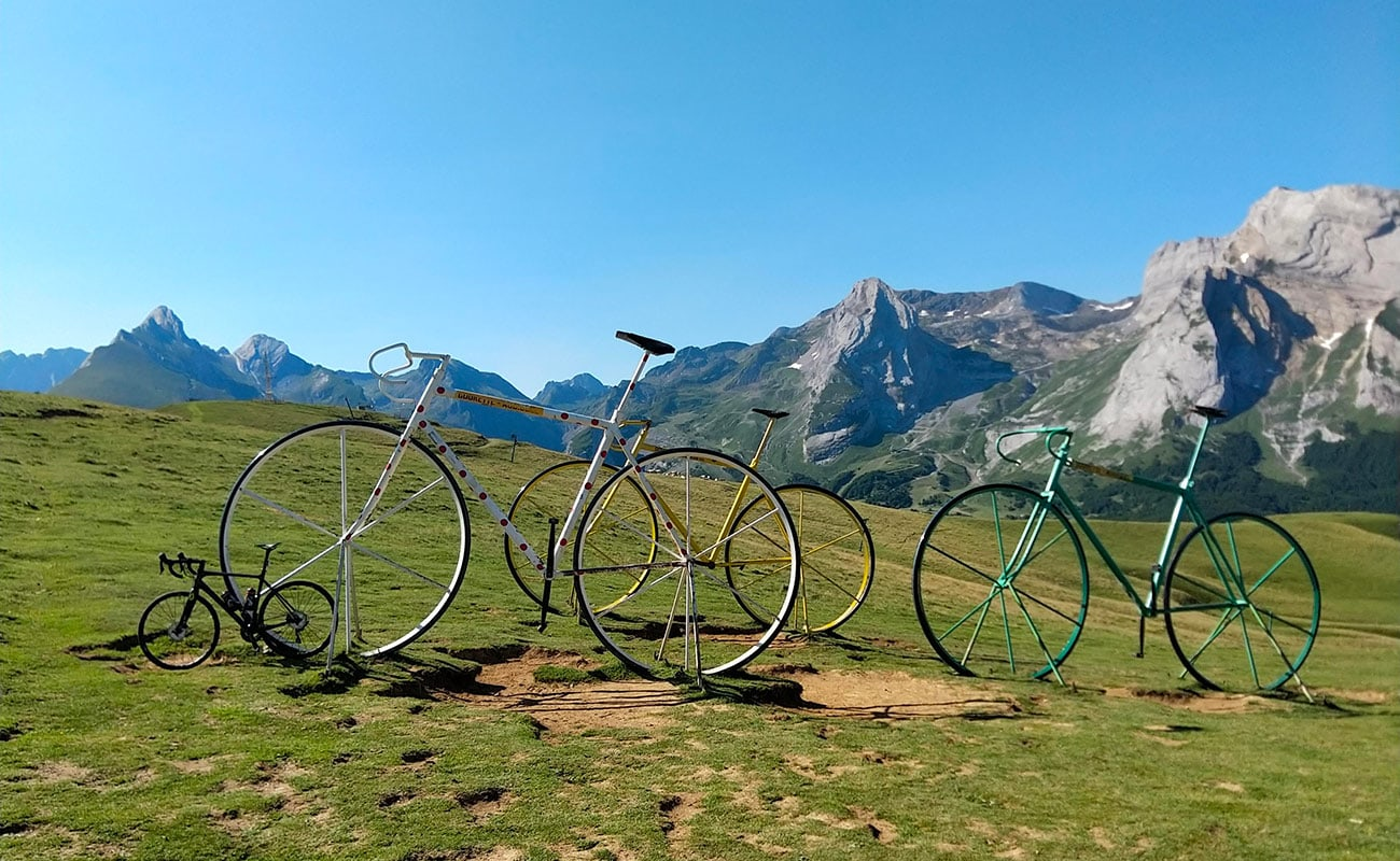 vélos géants du col d'Aubisque