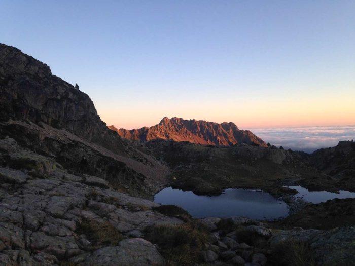 lever de soleil lac néouvielle randonnée