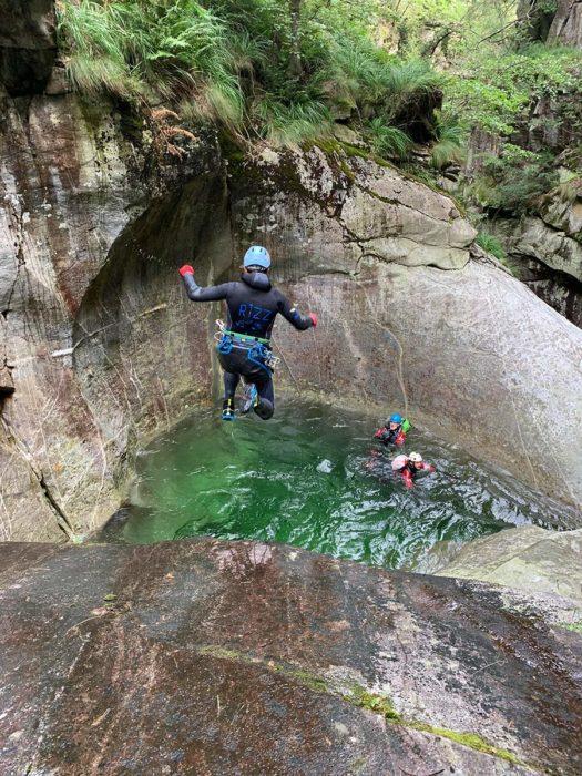 saut baudrier canyoning kong target