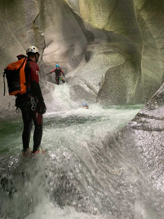 canyoning tessin cave