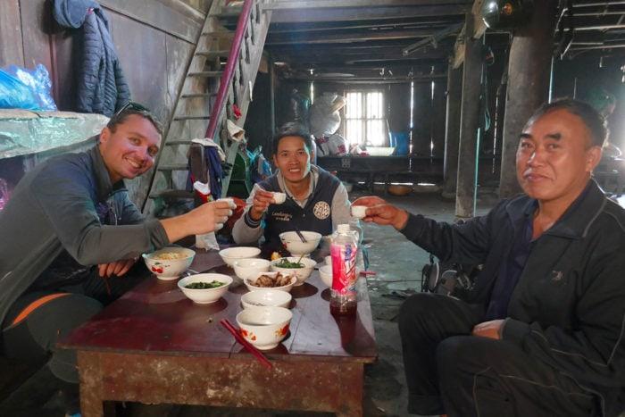 repas village minorité ethnique sapa